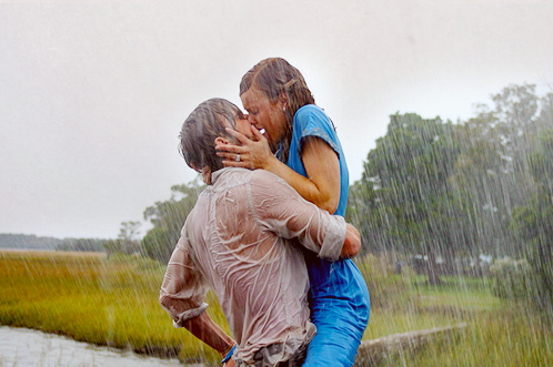 couple-cute-kiss-love-rain-Favim.com-113167